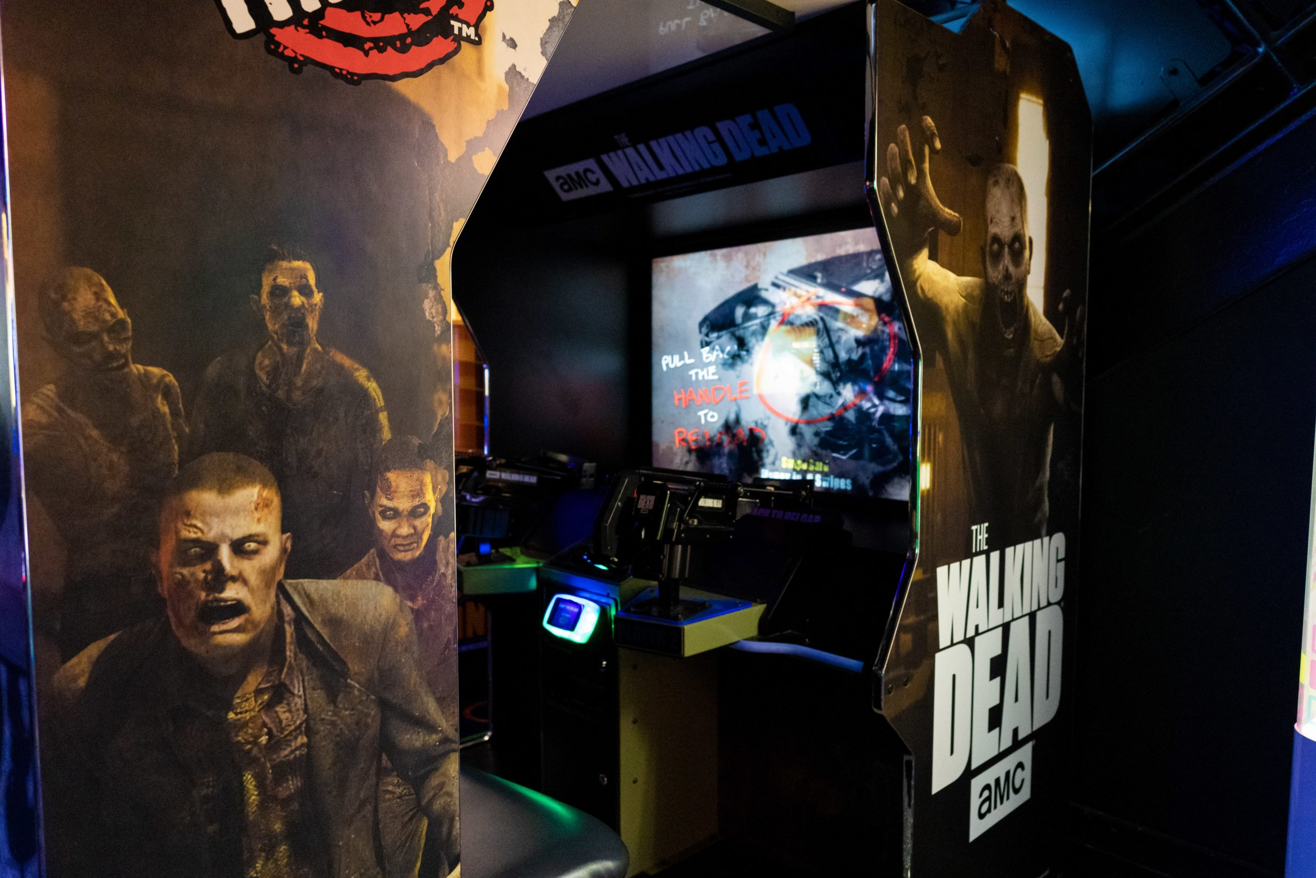 The Walking Dead Arcade Game - Glo Mini Golf, Riverside, CA