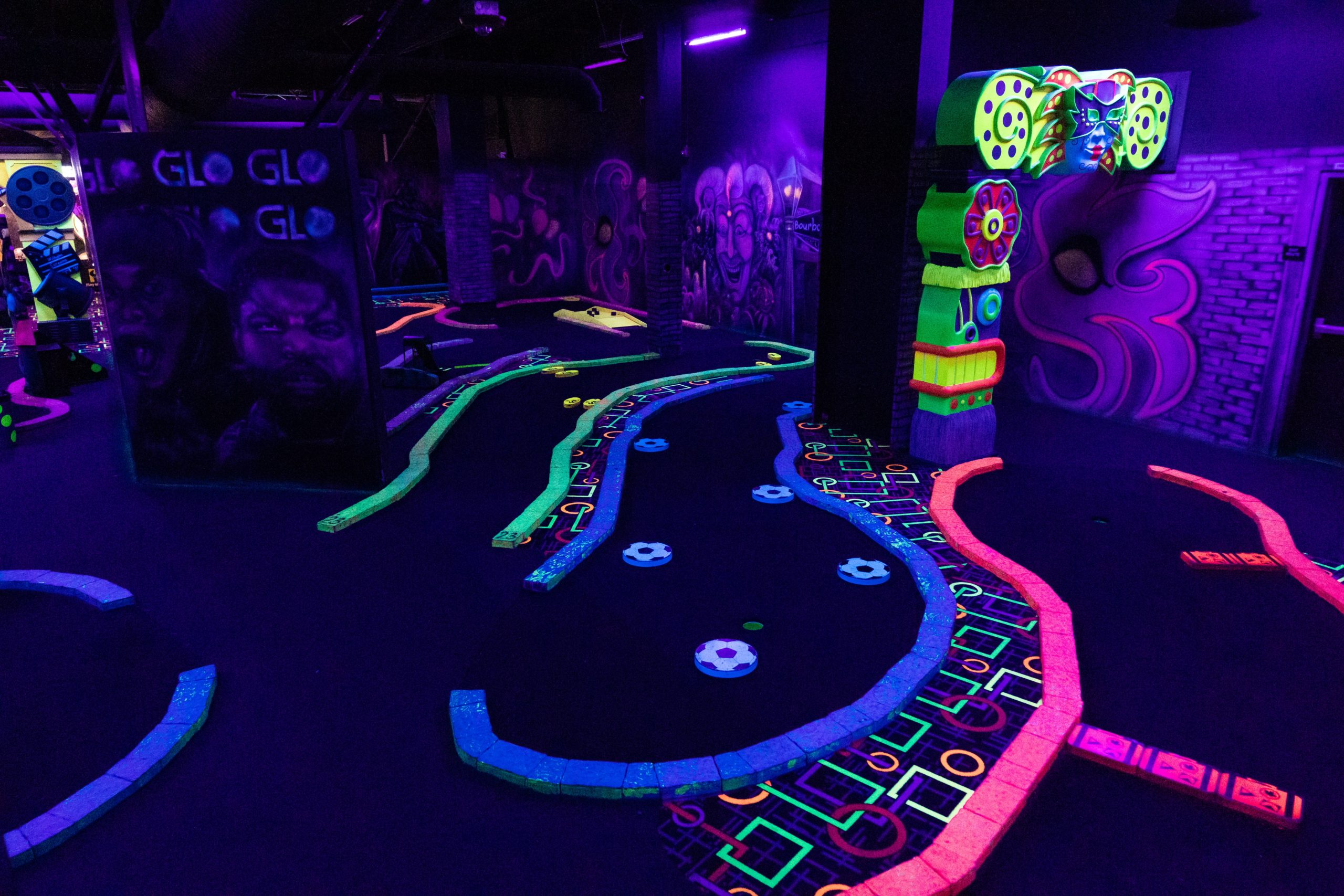 Mini Golf - - Glo Mini Golf, Riverside, CA